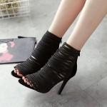 Sandália importada com com tiras, plataforma salto alto ideal para festa