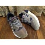 Tênis New Balance NB 999 Masculino e Feminino Cor Cinza com Detalhes Azul e Xadrez