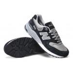 Tênis New Balance NB 999 Masculino e Feminino Cor Preta com Detalhes Cinzas